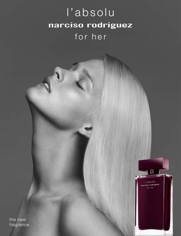 Narciso Rodriguez for Her Eau de Parfum Intense é um dos perfumes que farão você se sentir mais sexy