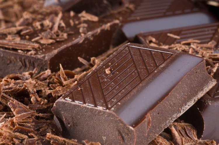 Chocolate amargo reduz o apetite