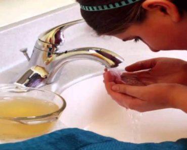 Lavar o rosto com vinagre de maçã acaba com cravos e espinhas: veja como usar