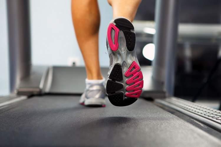 Mulher Emagrece 42 kg Fazendo Caminhada: Veja o Segredo