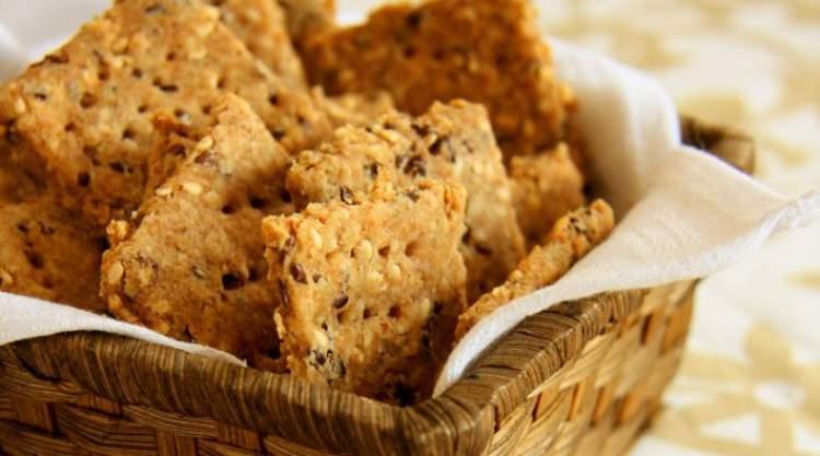 Biscoitos integrais são alimentos saudáveis que aumentam a fome
