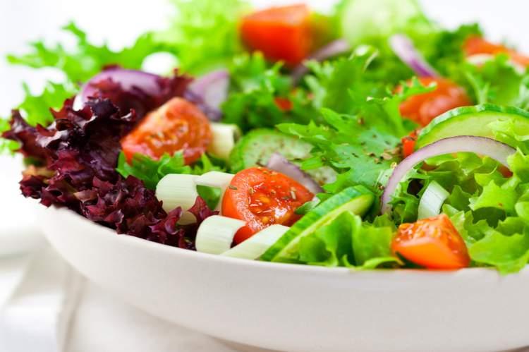 Saladas são inibidores naturais da fome