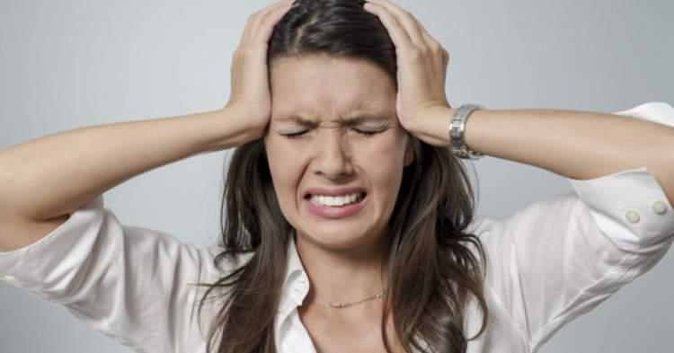 16 sinais de que sua dor de cabeça pode ser um problema mais sério