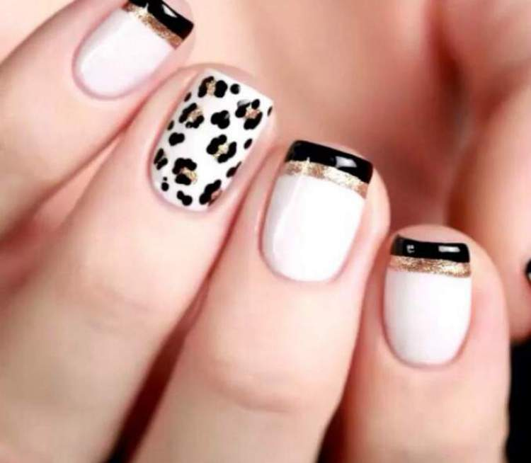 unhas curtas decoradas com animal print
