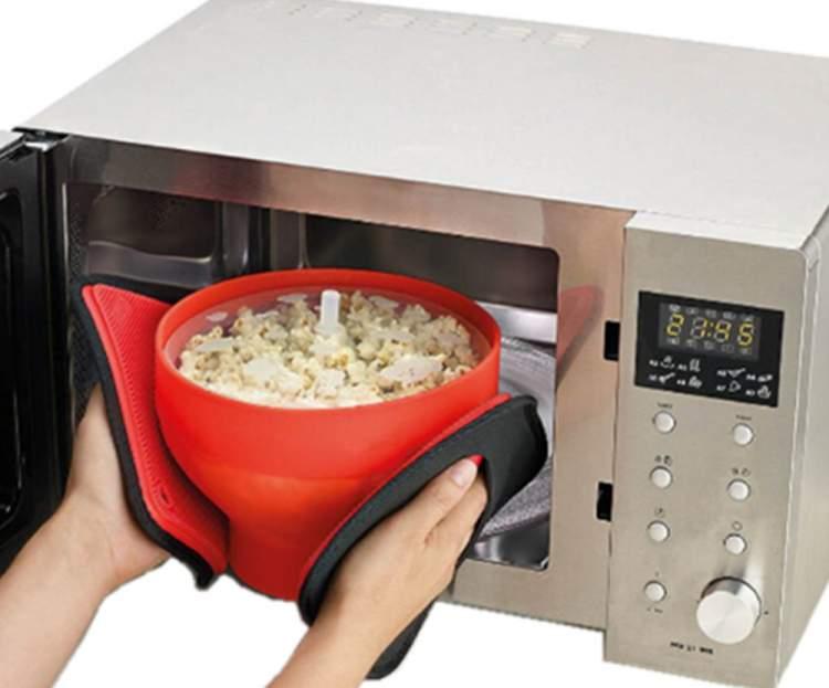 Você deve evitar a pipoca de microondas quando estiver doente