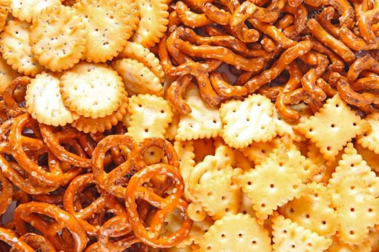 Biscoitos salgados possuem ingredientes derivados do petróleo