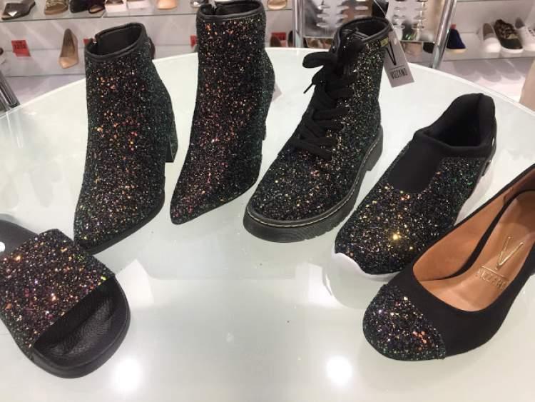 Calçados com aplicação de glitter é uma tendência absoluta do inverno 2017