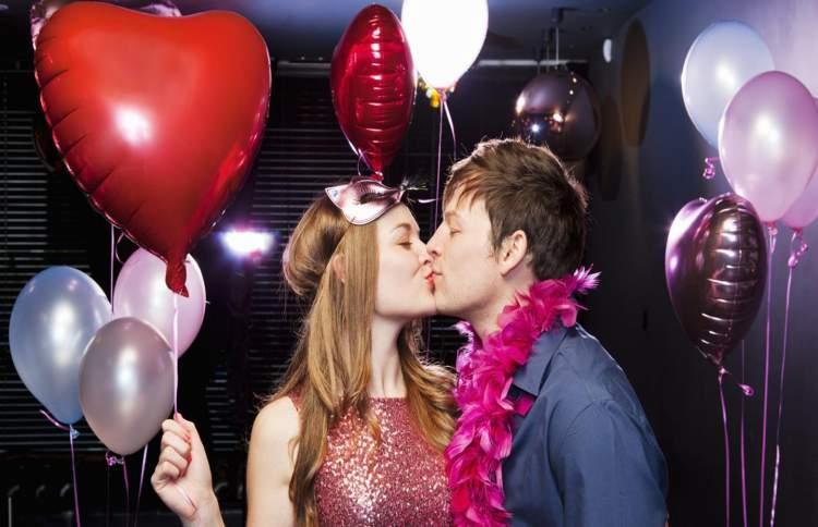 Como Celebrar o Dia dos Namorados em casa com Muito Romantismo