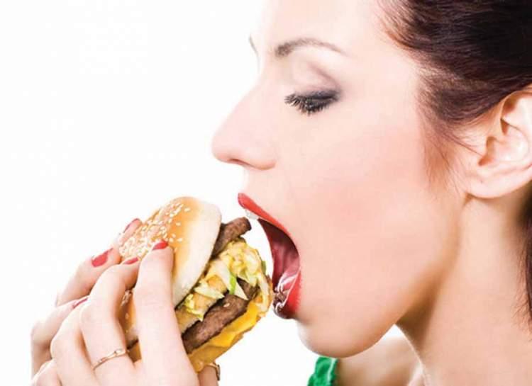Fast food pode provocar enxaqueca