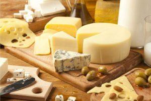 Queijos são alimentos típicos do inverno que ajudam na perda de peso