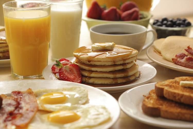 Café da manhã no dia dos namorados