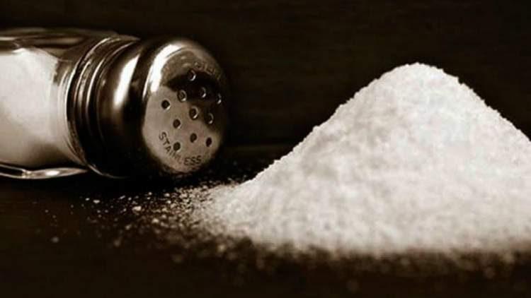 Evite o sal para sua barriga murchar rapidinho