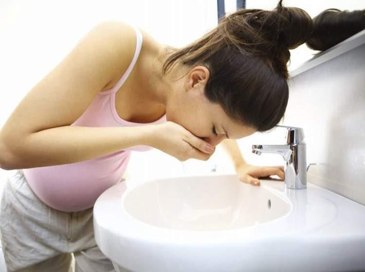Náuseas são sintomas iniciais de gravidez