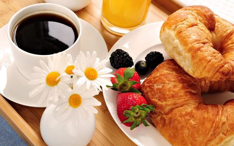 O que precisa ter numa surpresa com café da manhã no dia dos namorados