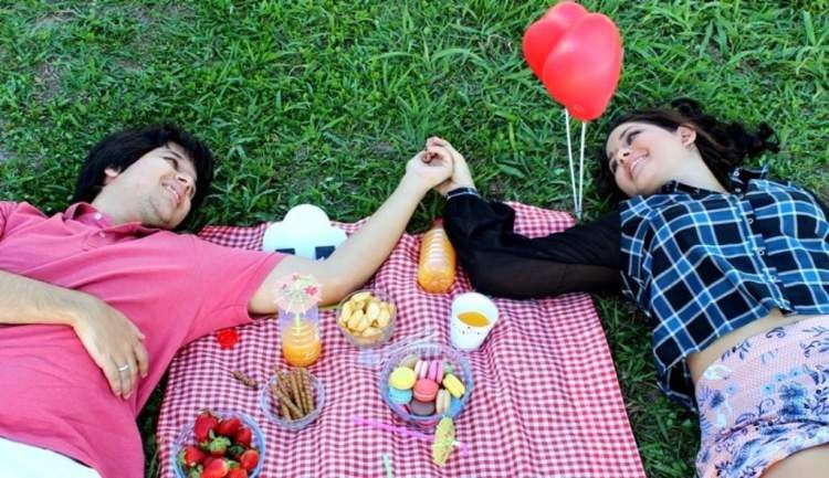Piquenique romântico para comemorar o dia dos namorados sem gastar muito
