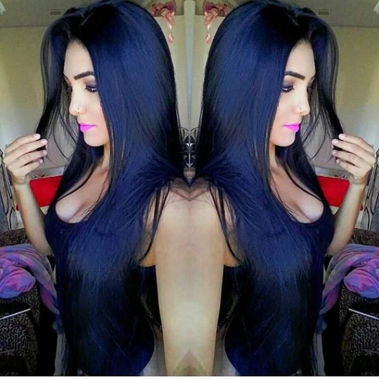 Receita do banho de brilho caseiro para deixar o cabelo preto azulado
