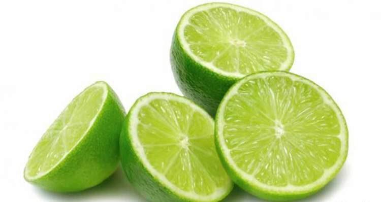 5 maneiras de usar o limão para queimar gordura localizada e expulsar as toxinas do corpo