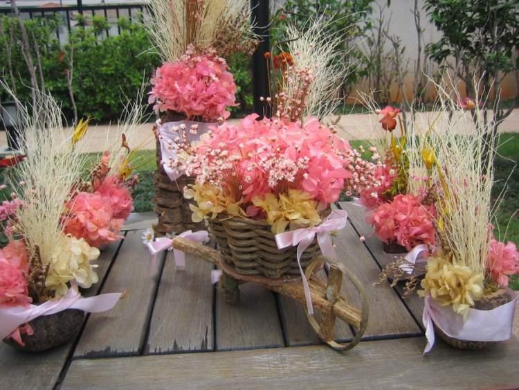 Arranjos florais para a varanda