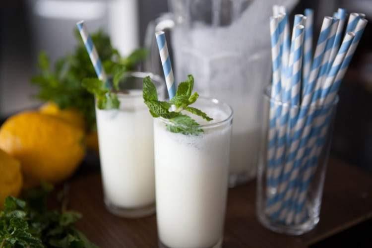 Beba limonada suíça para queimar gordura localizada