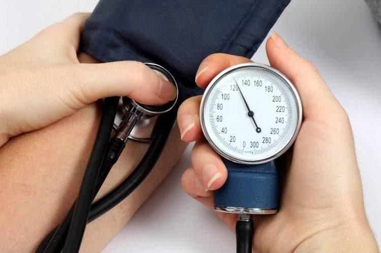 Controle a pressão para evitar a demência e o Mal de Alzheimer