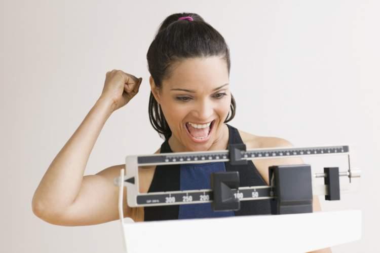 Perca 1 kg por semana mudando 5 coisas no seu jantar