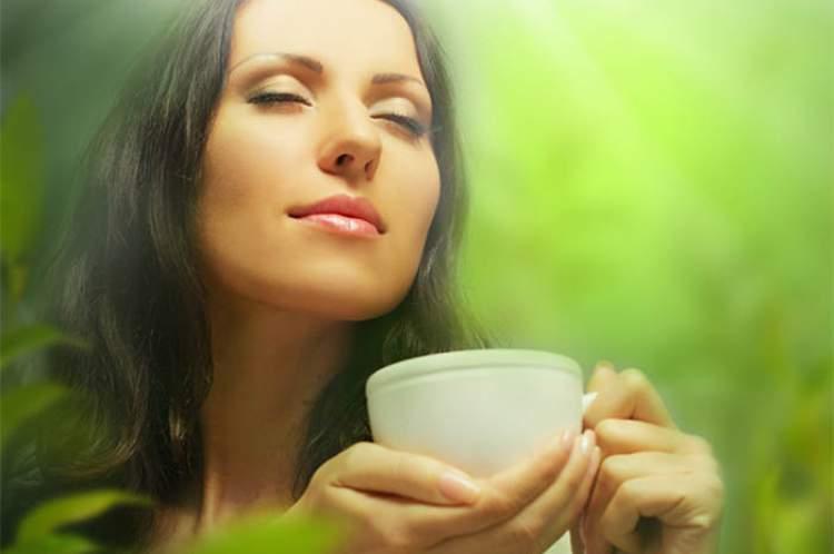 Tome um chá após o jantar para eliminar até 1 kg por semana