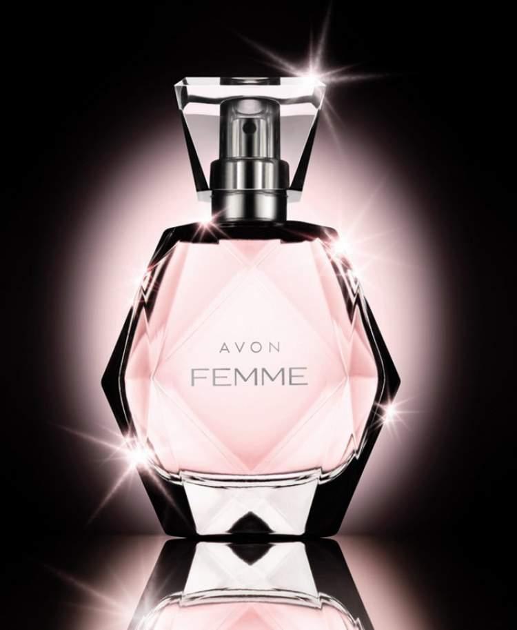 Um dos perfumes com frascos mais bonitos é o Avon Femme