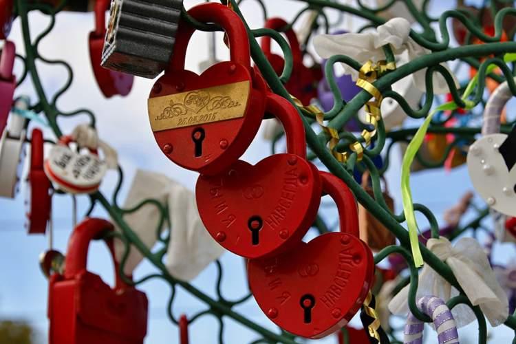 Cadeados personalizados entre as tendências em lembrancinhas de casamento