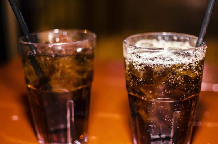 Pare de beber refrigerante e veja como sua barriga vai secar rapidinho