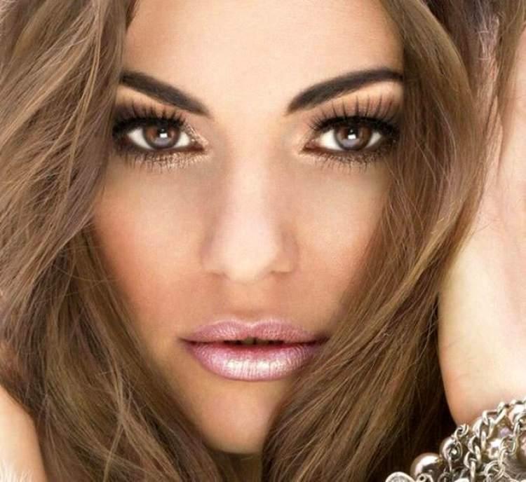 Sombra de tonalidade clara é um dos truques de maquiagem que enlouquecem os homens