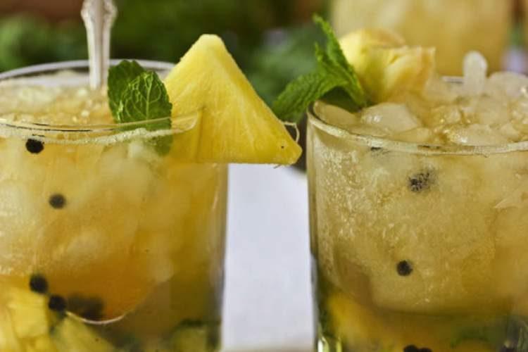 Água aromatizada com abacaxi, hortelã e gengibre