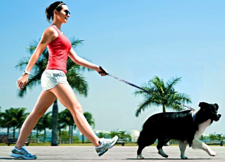 Caminhada é uma maneira de modelar o corpo sem precisar pegar pesado na musculação