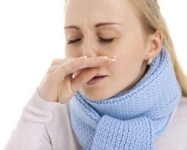 Coriza é um dos sintomas da enxaqueca que não tem nada a ver com dor de cabeça