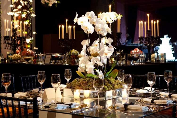 Decoração de casamento com arranjos de orquídeas