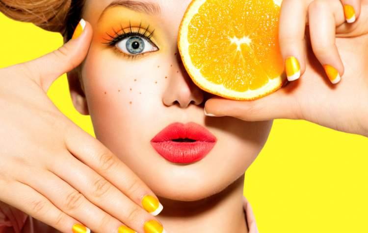 Tons cítricos são tendências de maquiagem para a primavera verão 2017/2018