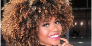 Tratamentos caseiros para hidratar cabelos afros