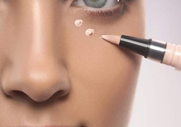 Truques de maquiagem que ajudam a disfarçar as olheiras