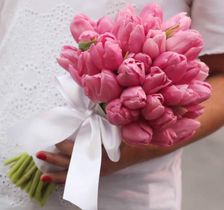 Tulipa é uma das flores para buquês e arranjos