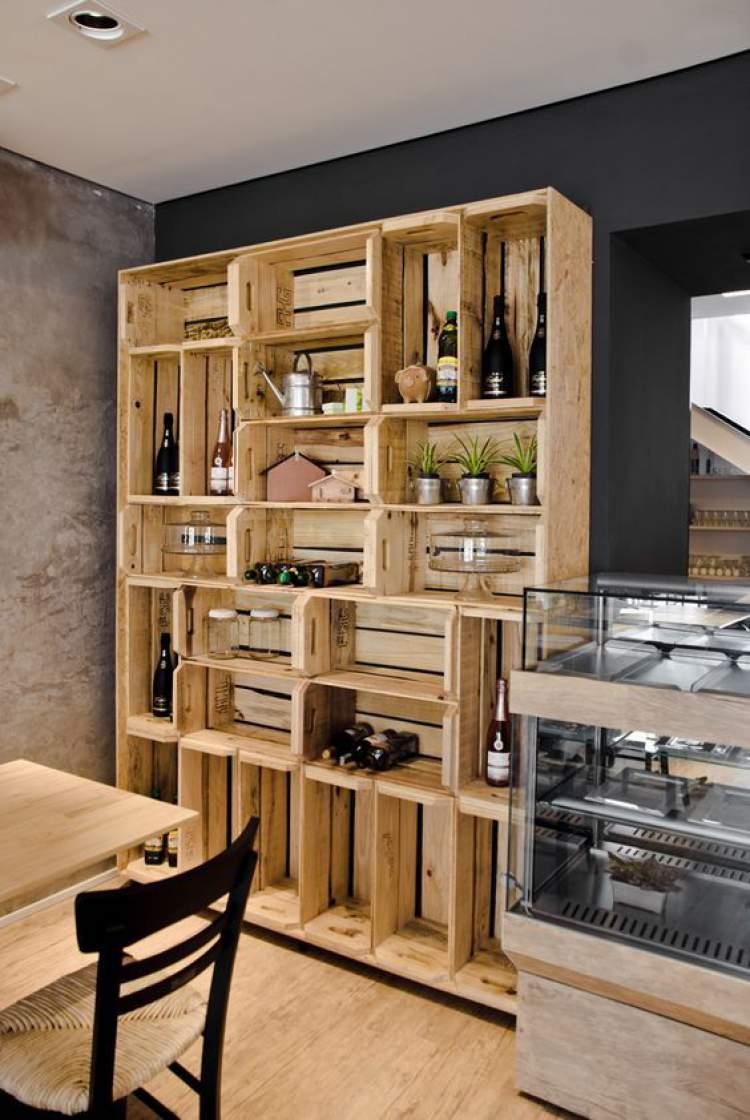 Caixas de feira podem criar uma decoração criativa e barata para transformar sua casa