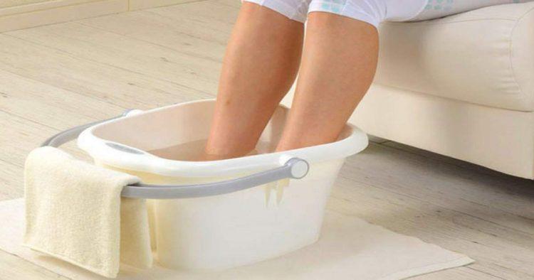 Escaldada nos pés para curar bolhas rapidinho