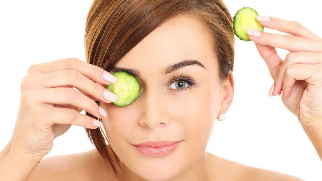Pepino para melhorar aparência dos olhos