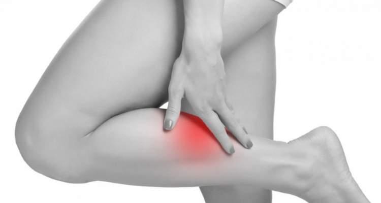6 problemas nas pernas que podem ser sinais de doenças