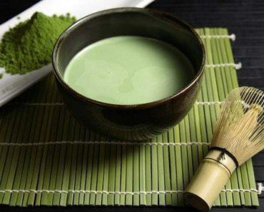 Receita de chá verde para deixar seu olhar muito mais bonito