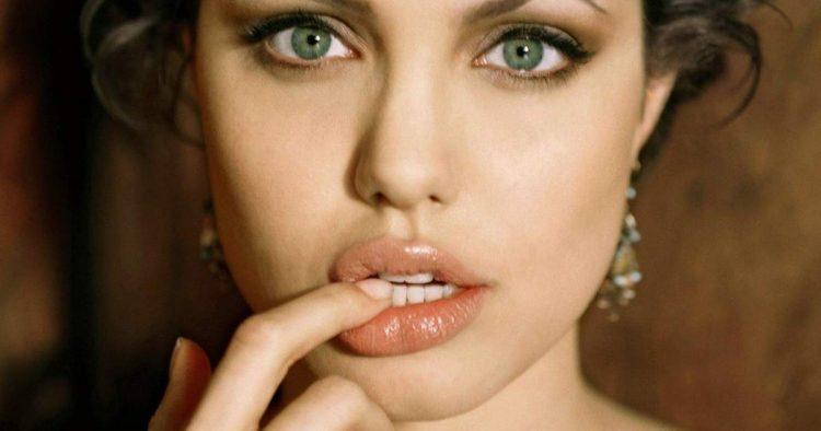 Angelina Jolie tem os lábios mais sedutores