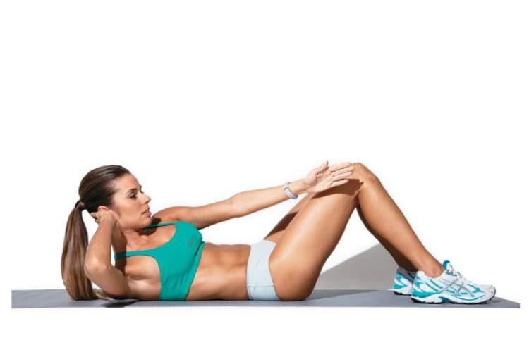Exercício abdominal oblíquo cruzado para tonificar o abdômen
