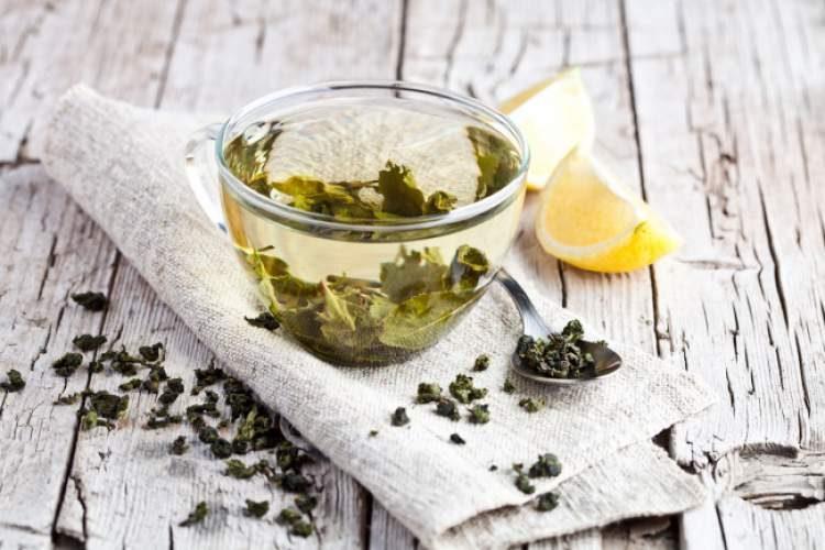 Tome bastante chá verde para evitar um resfriado