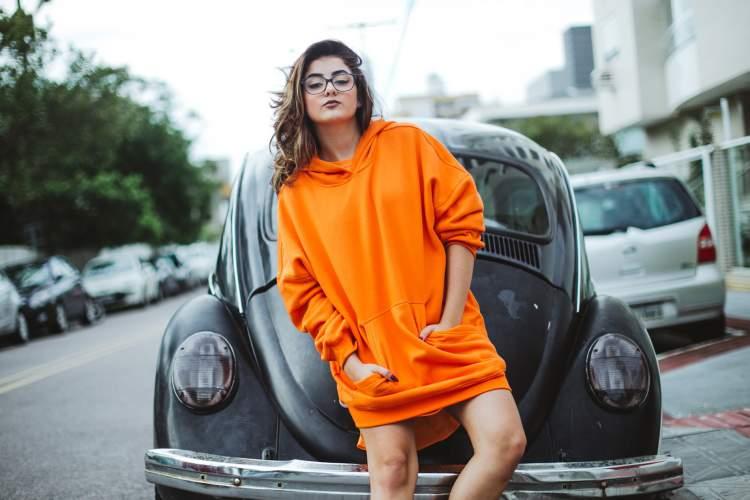 Moletom laranja: a cor do verão 2018