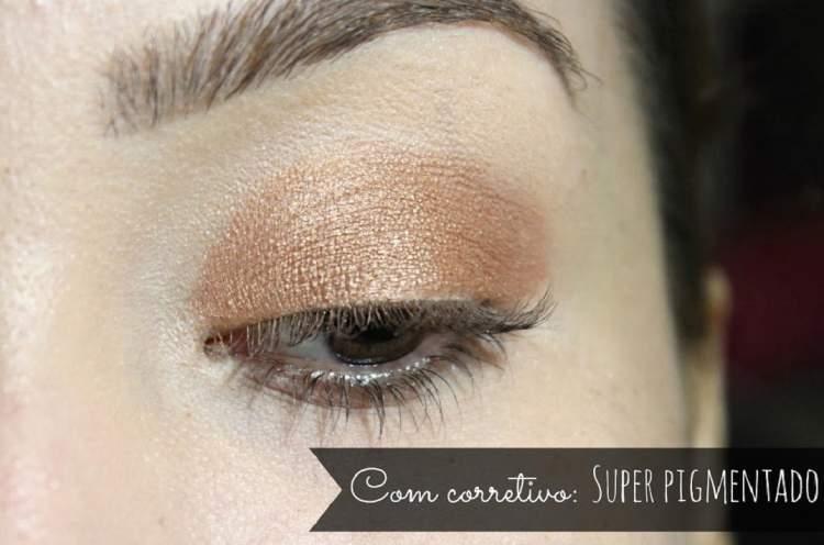 Aprenda usar o corretivo para fixar a sombra na maquiagem