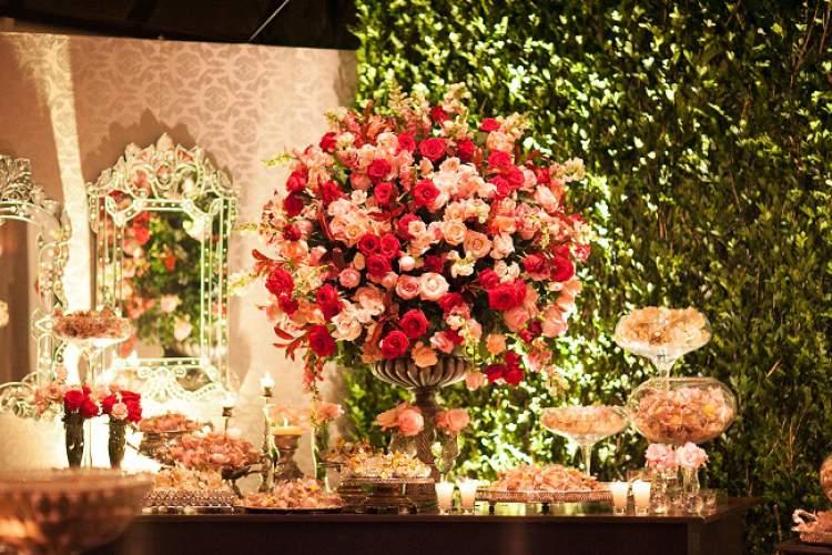Decoração de casamento com rosas