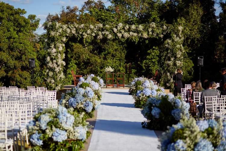 Decoração de casamento no campo com Hortênsias